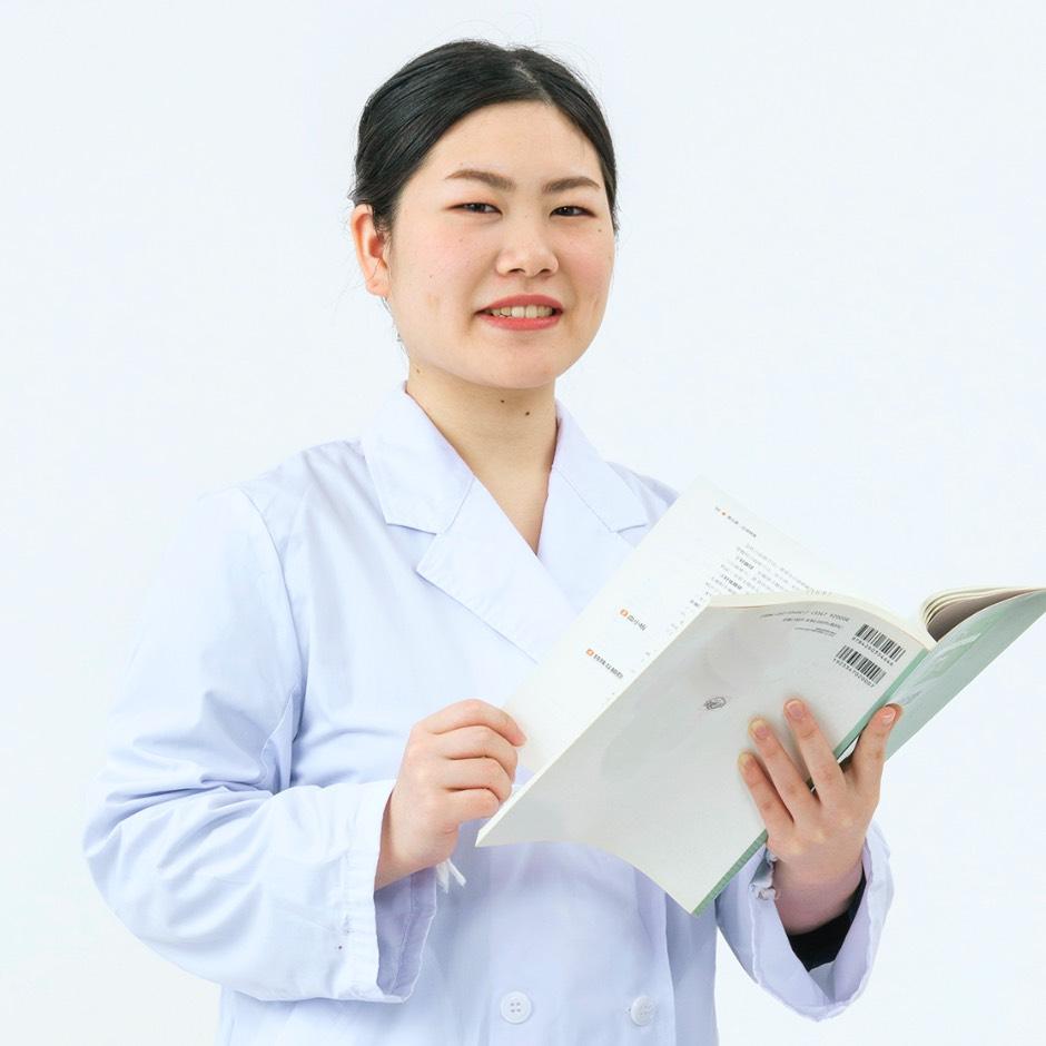 画像:臨床検査コースの学生